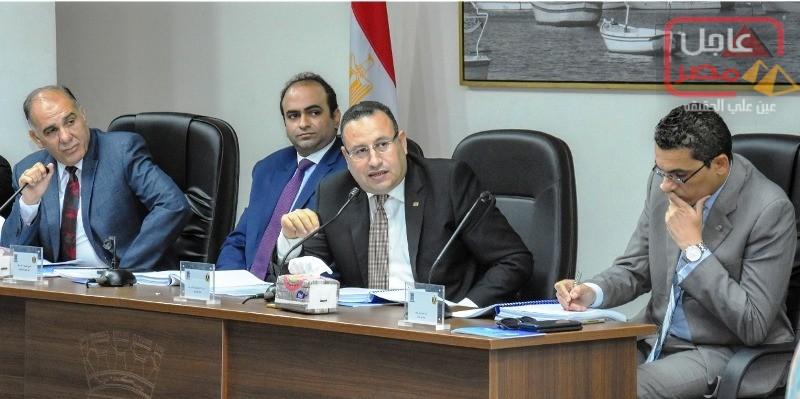 صورة محافظ الإسكندرية يترأس جلسة المجلس التنفيذي للمحافظة ويناقش أهم القضايا التى تهم المواطن السكندري