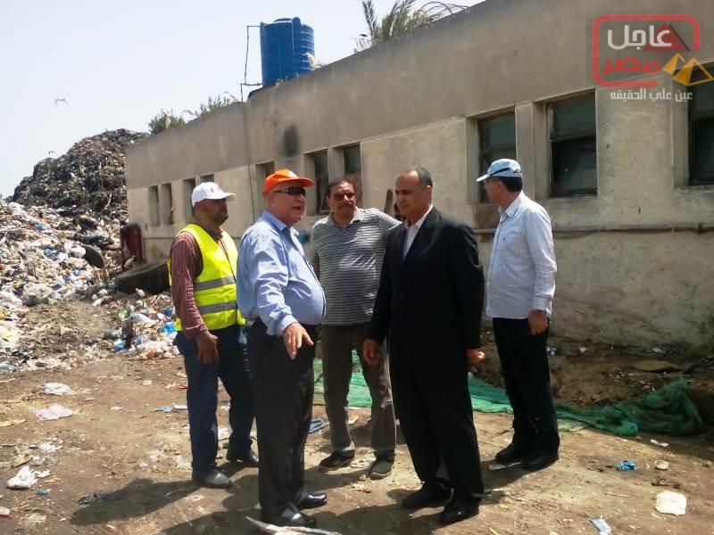 صورة محافظ الاسكندرية يكلف السكرتير المساعد بالقيام بجولة لمتابعة وضع منظومة النظافة باحياء منتزه أول وثان