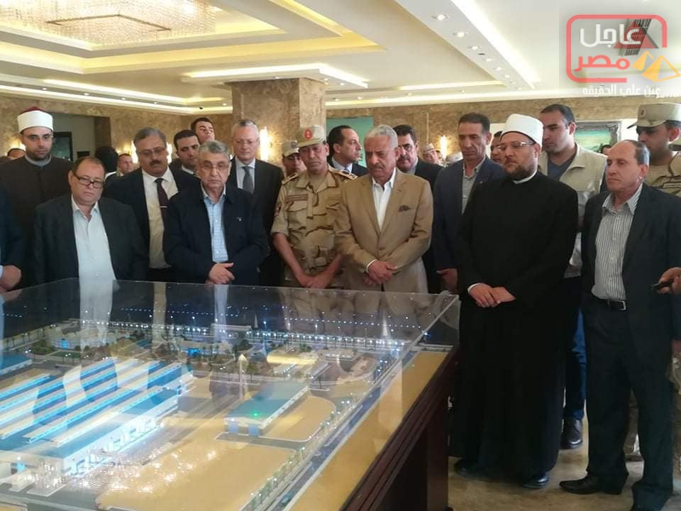 Photo of شاكر وجمعة و صقر يتفقدون عدد من المشروعات بمدينة الجلالة