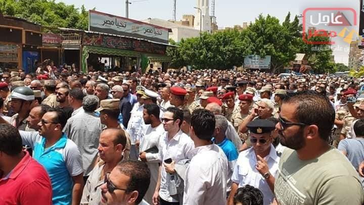 Photo of جنازة شعبية مهيبة للعميد سامح فؤاد بعد صلاة الجمعة بحضور محافظ السويس