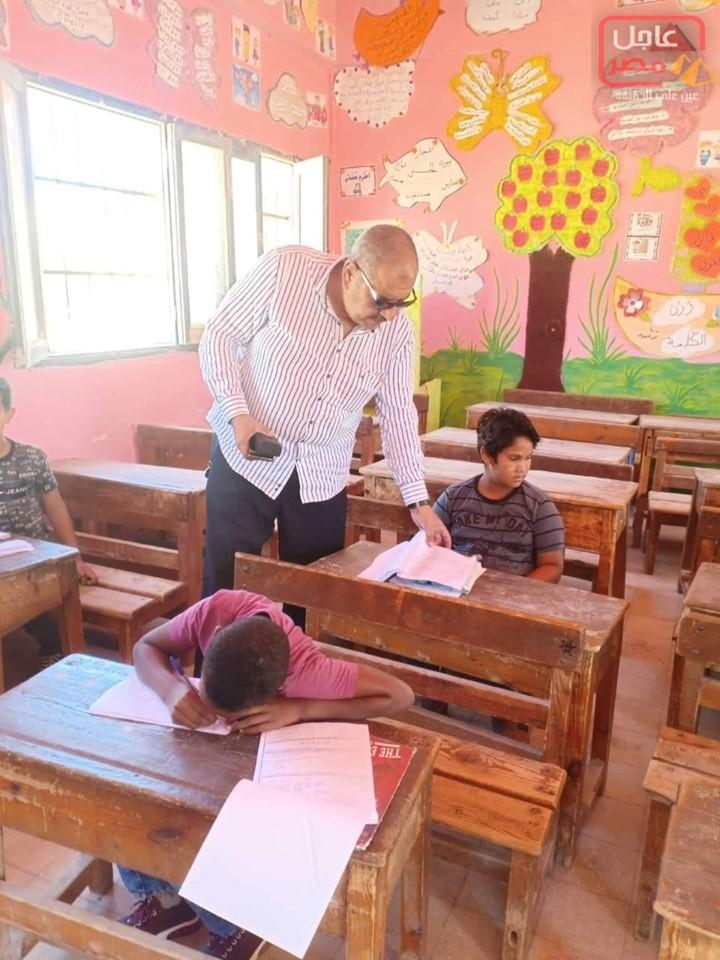 Photo of وكيل أول وزارة التربية والتعليم بمطروح يتابع امتحانات الدور الثاني بمدارس الحمام