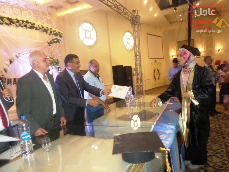 Photo of الإعلامى عادل خليف يهنئ أبنة شقيقتة د/ هاله طارق لتكريمها من نقابة الاطباء