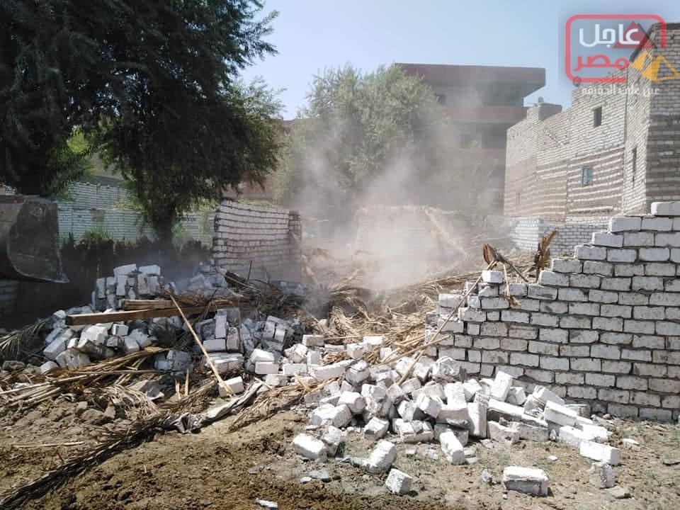 صورة إزالة 21 حالة تعد على أراضى أملاك دولة بمركز بنى مزار بالمنيا