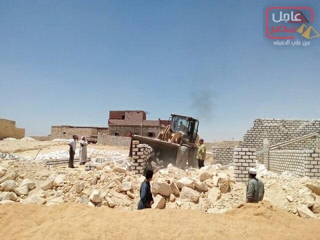 صورة ضمن الموجة 13 لحملات حق الشعب مراكز المنيا تزٌيل 4038 حالة تعدي وتسترد 83 الف