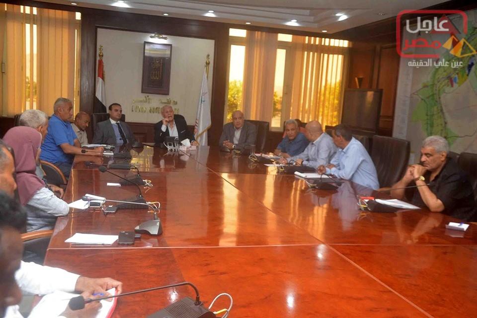 Photo of عاجل مصر تتابع مع : محافظ الاقصر يوجه باإعاده طرح وحدات الاسكان الاجتماعي