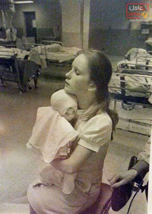 Photo of الصورة التي أعادت الطفله لاحضان الممرضه مرة اخري بعد 38 عام