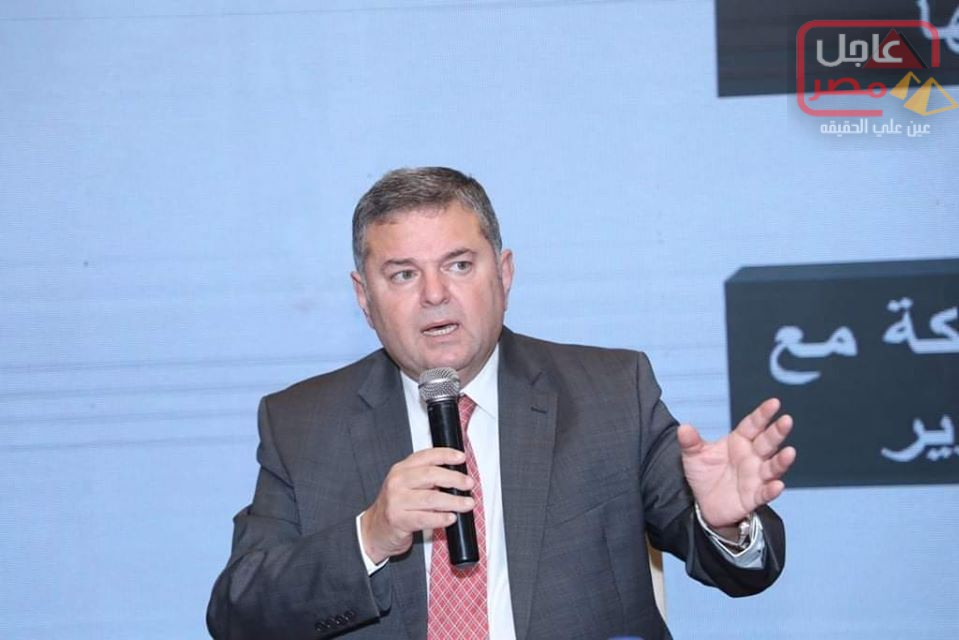 Photo of وزير قطاع الأعمال العام يستعرض محاور تطوير الشركات التابعة وعددًا من نماذج الإصلاح والمشروعات