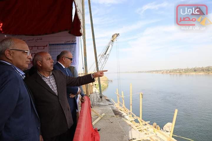 صورة وزير النقل ومحافظ قنا يتفقدا محور الشهيد الرائد باسم فكري …….