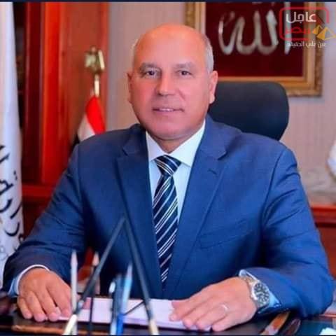 Photo of الفريق كامل الوزير وزيرالنقل يوافق على تثبيت العمالة الموقته بالسكه الحديد ال 55 يوم