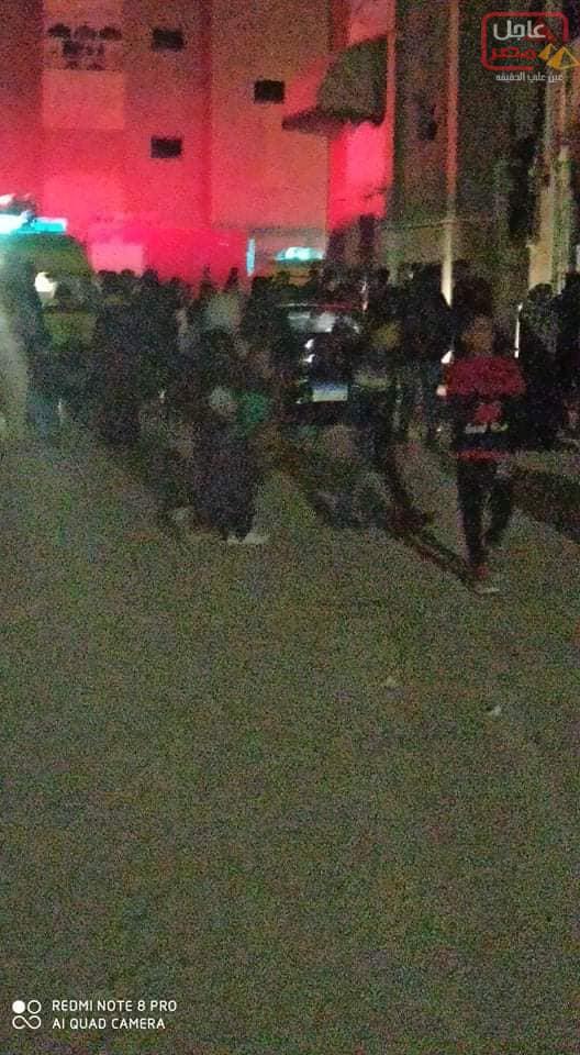 Photo of حصرياً حريق هائل منذ ساعة بعمارة بمساكن شل القديمة بسبب ماس