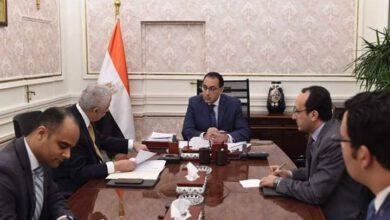 Photo of رئيس الوزراء يُتابع مع وزير التعليم إجراءات التعاقد على أجهزة التابلت للعام المُقبل
