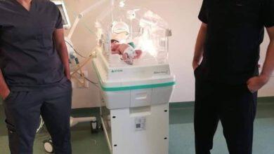 Photo of ولادة الطفل الثانى لأم مصابة بكورونا داخلى مستشفى العزل بأسوان