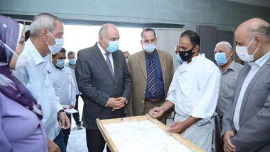 Photo of محافظ قنا يتابع تشغيل مخبز لإنتاج الخبز الخاص بمرضي الـPKU