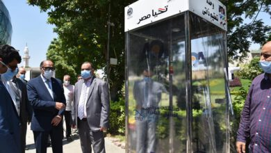 صورة الهيئة العربية للتصنيع تسلم مستشفي 57357 كبائن تعقيم وسيارات مجهزة لنقل الأغذية والأدوية