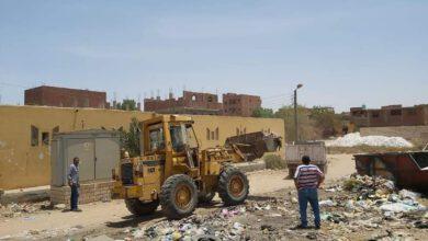 صورة الوحدة المحلية لقرية ابوالريش بحري. وقسم النظافةبمواصلة اعمال رفع التراكمات.والاتربة والقمامة بنجع المقلة والشيخ علي