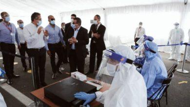 صورة وزير الإعلام يشارك في جولة بمطار شرم الشيخ لمتابعة تطبيق الإجراءات الاحترازية