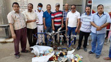 صورة مصادرة شيش وإعدام مواد غذائية بلجنة حماية المستهلك اليوم بقري ساقلتة .
