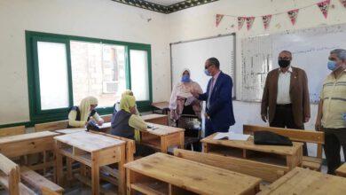 صورة رئيس مركز ومدينة اسوان. قام بجولة ميدانية علي بعض المد ارس لمتابعة سير بدء العام الدراسي